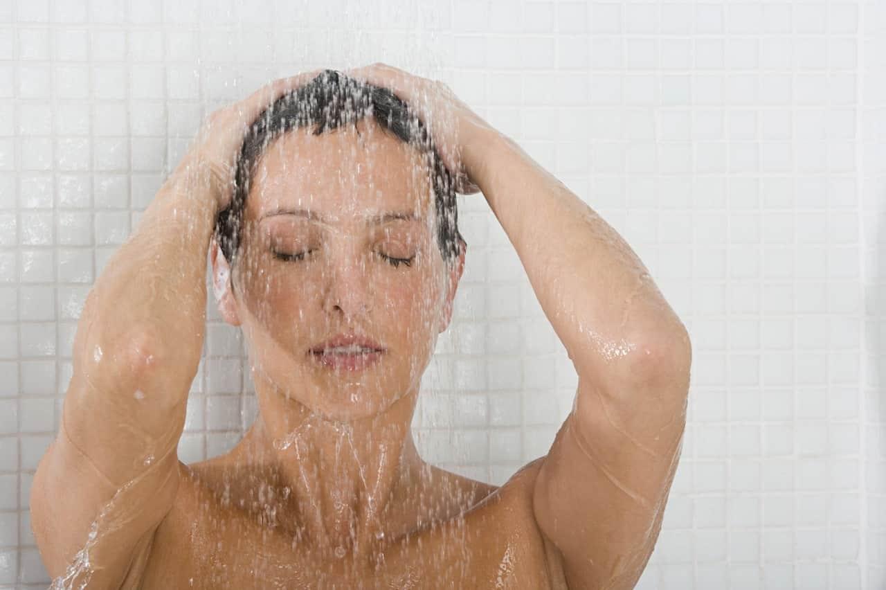 Можно ли при простуде принимать ванну и душ