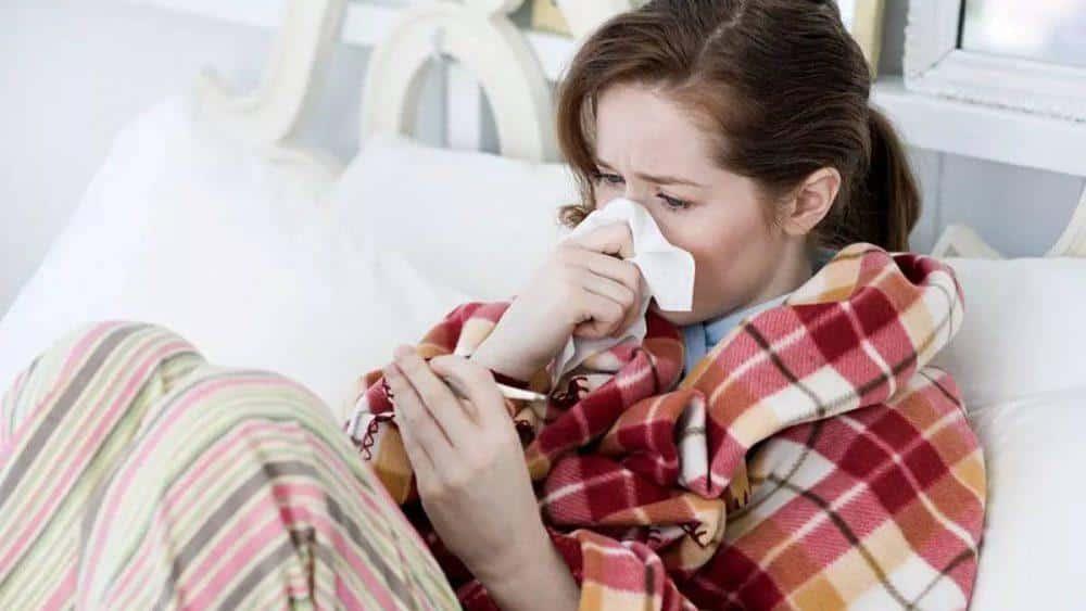 Что принять при первых симптомах простуды в домашних условиях thumbnail