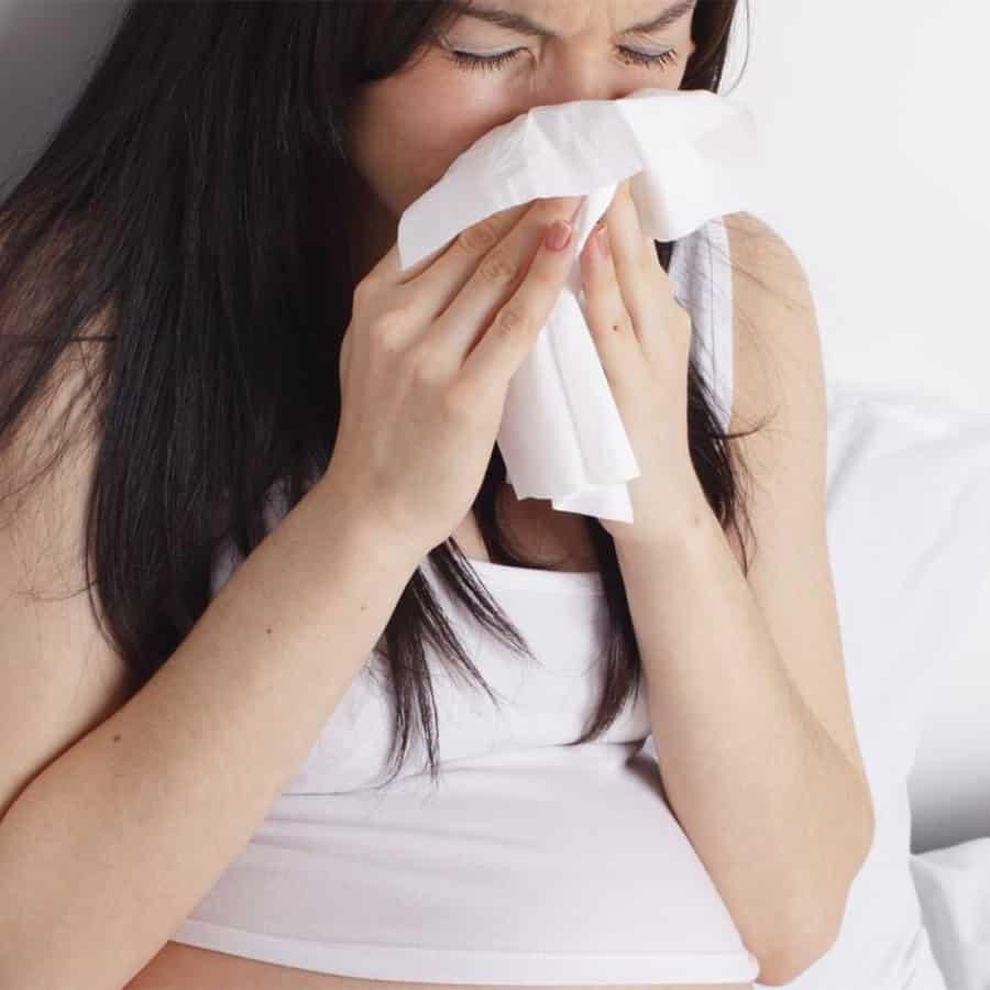 Как быстро избавиться от соплей при беременности, как лечить насморк у детей