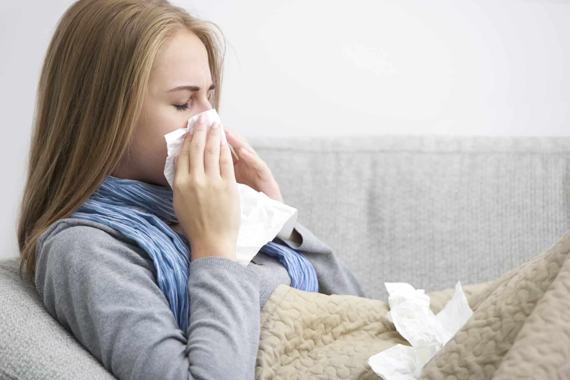 Зеленые сопли и головная боль у взрослого что это
