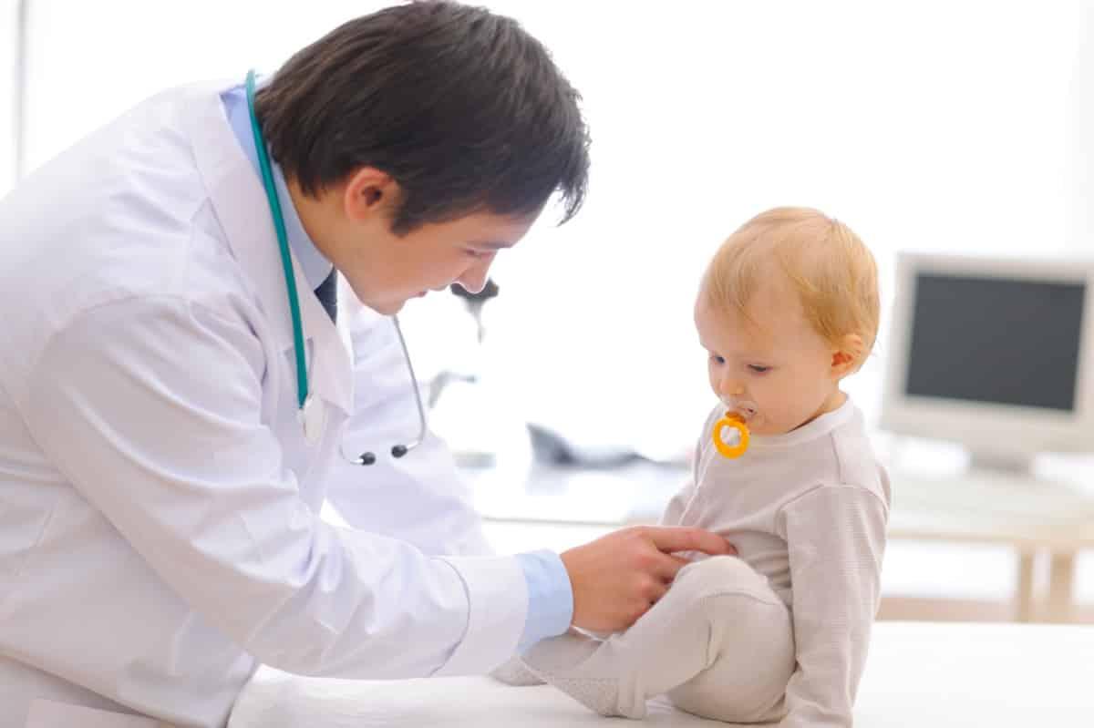 Желтые сопли у ребенка чем лечить комаровский