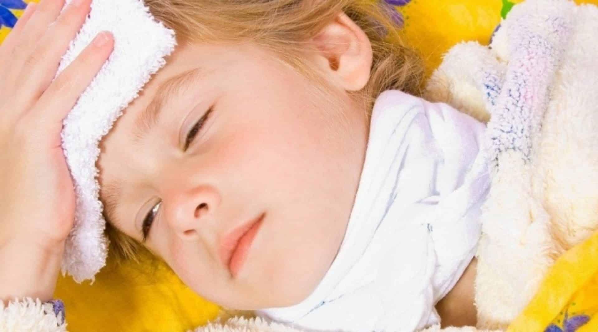Лечение в домашних условиях: промывания, ингаляции и компрессы